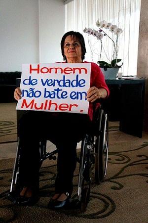 Maria da Penha Fernandes – a inspiradora da lei brasileira contra violência de gênero – participa da campanha do Banco Mundial. Foto: Página do Banco Mundial no Facebook.