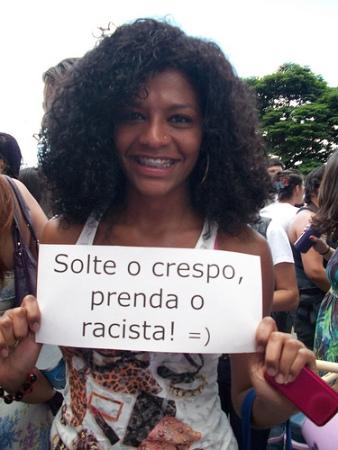 Valéria Mattus na Marcha das Vadias de Brasília em 2012. Foto de Srta. Bia no Flickr em CC, alguns direitos reservados.