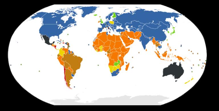 Situação jurídica do direito ao aborto, segundo dados de 2011 da ONU. Em azul, legalização em todos os casos. Em verde,  legalização em caso de estupro, risco de vida, problemas de saúde, fatores socioeconômicos ou má-formação do feto. Em marrom, caso do Brasil atual, legalizado em caso de estupro, risco de vida ou problemas de saúde. Em laranja, legalização em caso de risco de vida ou problemas de saúde Em preto, varia de região para região. Em vermelho o aborto é  proibido em todos os casos - a passar o  Estatuto do Nascituro, esta será a cor do Brasil.