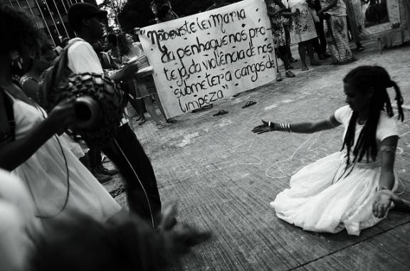 Bloco das Mulheres na Luta contra a Violência do Estado, partindo da Praça da Estação. Foto de Fora do Eixo no Flickr em CC, alguns direitos reservados.