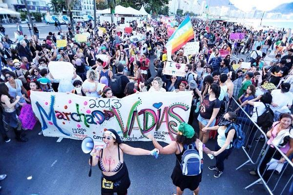 Marcha das Vadias do Rio de Janeiro 2013. Foto de Mídia NINJA no Facebook.