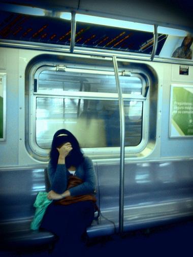 No metrô. Foto de Antonin Rémond no Flickr em CC, alguns direitos reservados.