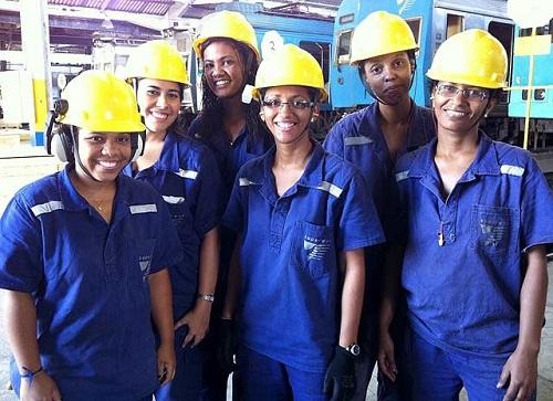 Soldadoras, mecânicas e pilotas da Supervia, empresa que administra trens no Rio de Janeiro. Foto de Guilherme Brito/G1.
