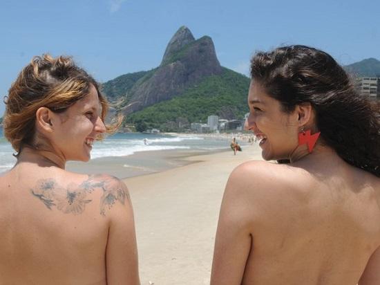 Topless coletivo acontecerá no dia 21 abertura do Verão no Rio (Foto: José Pedro Monteiro/Agência O Dia/Estadão Conteúdo)