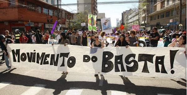 Marcha das Vadias de Curitiba, 2011. Foto de Leandro Taques/UOL.
