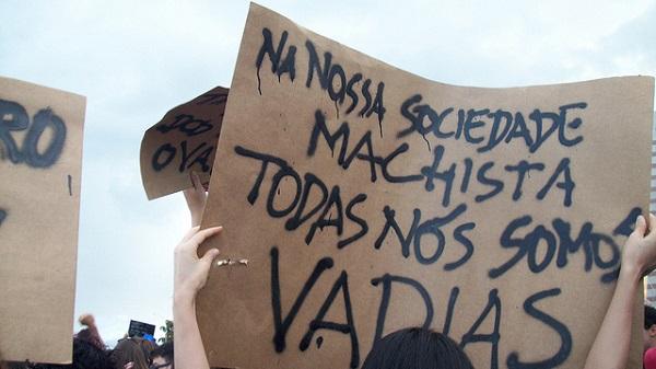 Marcha das Vadias de Brasília em 2012. Foto de Bianca Cardoso no Flickr em CC, alguns direitos reservados.