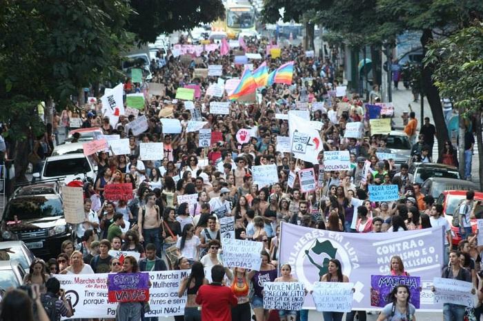 Marcha das Vadias de Belo Horizonte/MG em 2013. Foto de Túlio Vianna no Facebook.