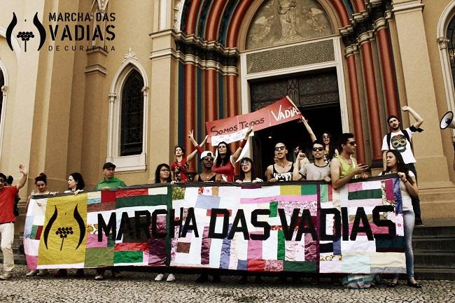 Marcha das Vadias Curitiba/PR - 2014. Foto de Renata J. Sembay no Facebook.