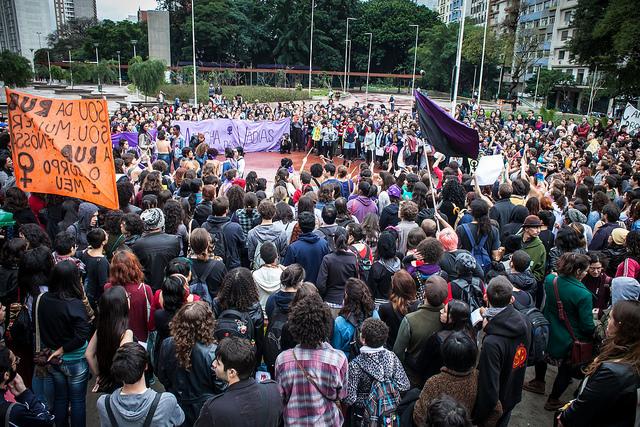 Marcha das Vadias de São Paulo 2014. Foto de Mídia Ninja no Flickr em CC, alguns direitos reservados.