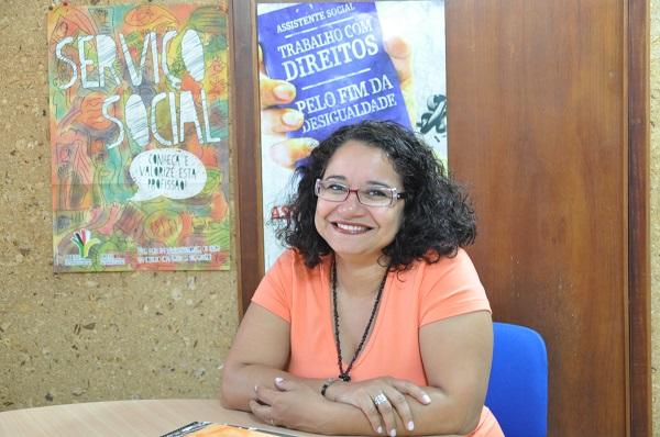 Esther Lemos, vice-presidente do Conselho Federal de Serviço Social. Foto de Amanda Vieira.