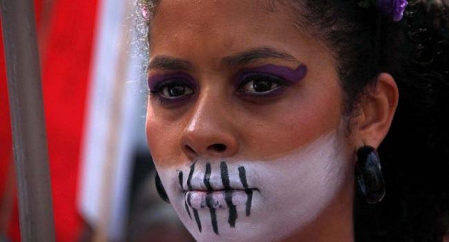 Ato pelo Dia Internacional da Mulher na praça da Sé, região central de São Paulo. Foto de Elisa Rodrigues/Futurapress/AE.