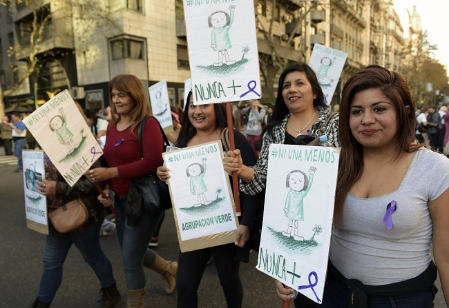 """Marcha """"Ni Una Menos"""" em Buenos Aires, Argentina. Foto de Juan Mabromata / Getty Images."""