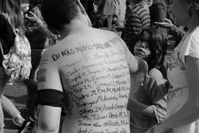 Marcha das Vadias Curitiba/PR 2015. Foto de Ke Sia no Facebook.