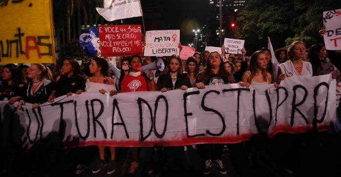 São Paulo/2016. Mulheres tomam a avenida Paulista em protesto contra a cultura do estupro. Foto de Leonardo Benassatto/Futura Press/Estadão Conteúdo.