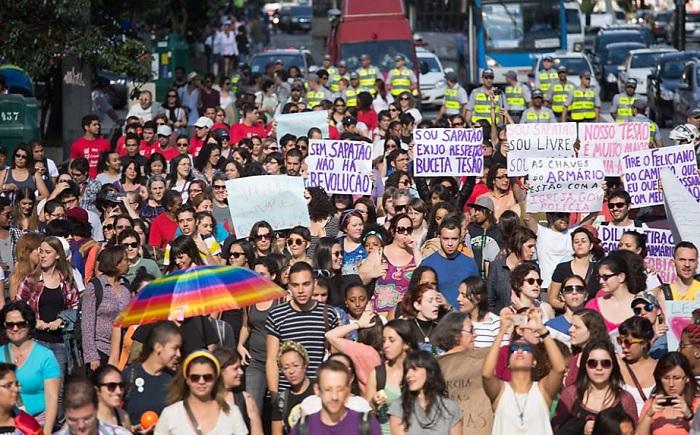 Junho/2013 - 11ª Caminhada de Lésbicas e Bissexuais de São Paulo. Foto de Danilo Vrpa/Folhapress.